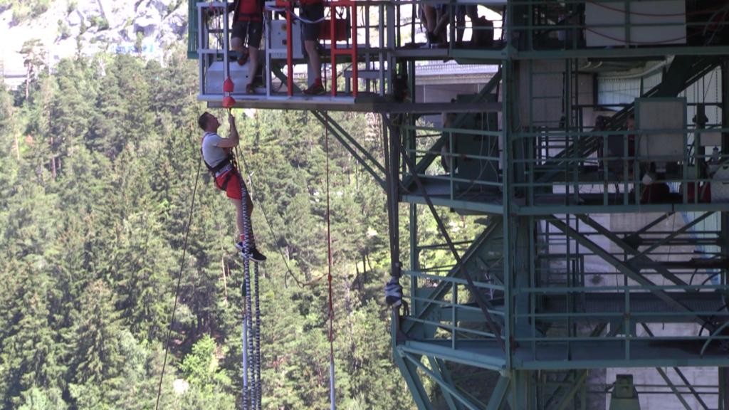 bungee-192-metrów-europabrücke-austria-new-wayfarer-michał-fic