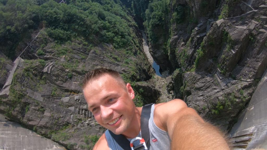 Michał Fic na linie w Szwajcarii