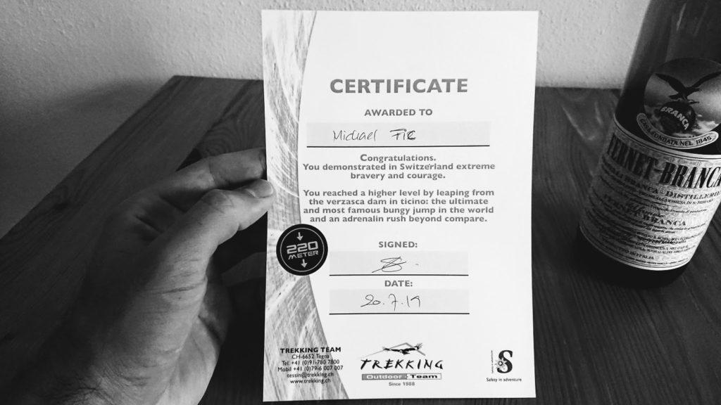 dyplom odwagi po skoku bungee w Szwajcarii