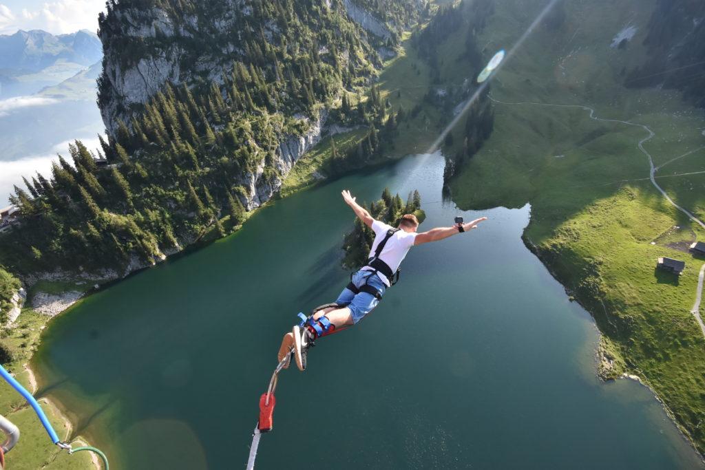 bungee-interlaken-stockhorn-hinterstockensee-michal-fic-new-wayfarer-bungy-skok-z-gondoli-szwajcaria-swiss-switzerland (51)