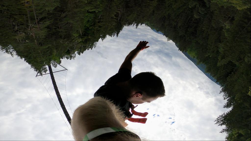 Człowiek podczas skoku bungee