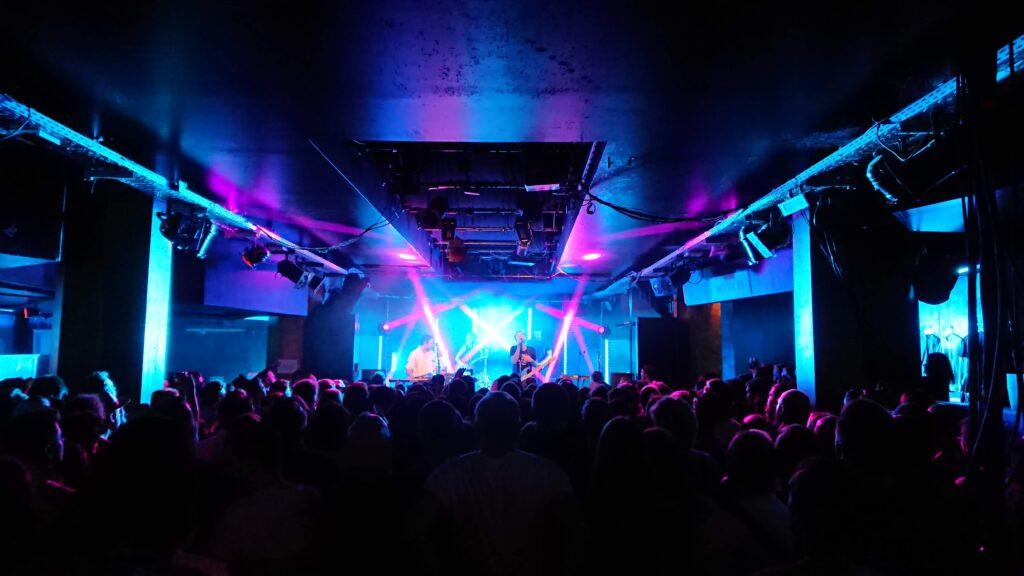 Koncert zespołu The Midnight w klubie Strom w Monachium